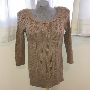 American Eagle Outfitters 3/4 length sleeve light sweater